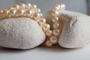 pearls-2651960_640