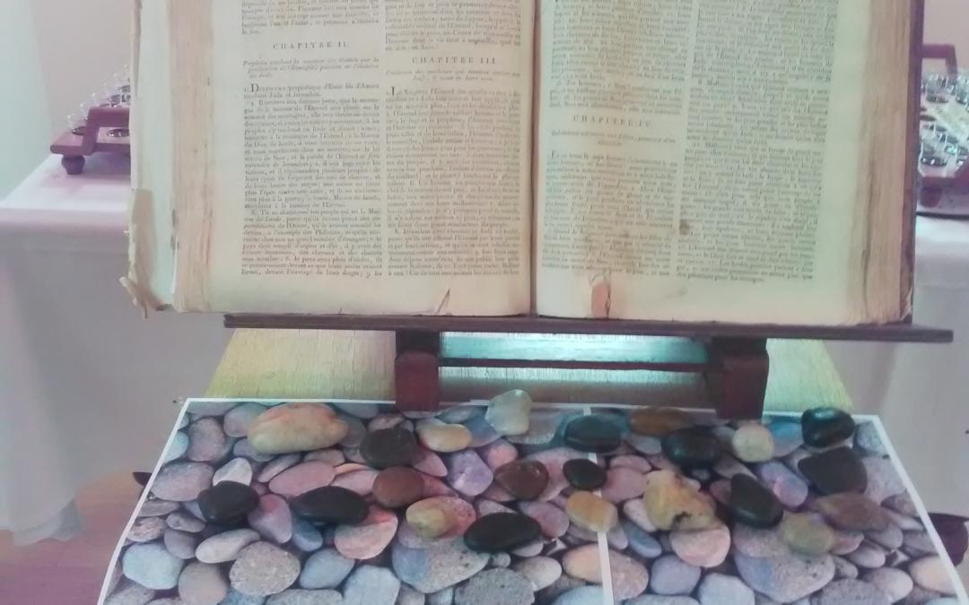 Prière avec des pierres