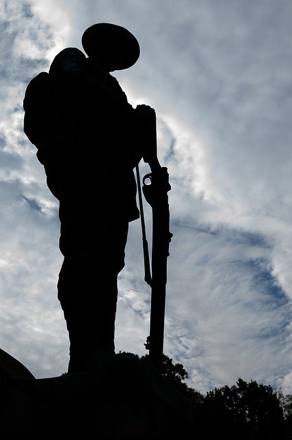 Plus qu'un soldat de garde n'attend le matin
